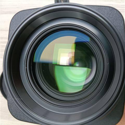 1英寸版面 DC光圈 电动镜头8-136mm
