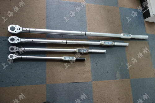 大量程螺栓数显测量扭矩扳手图片