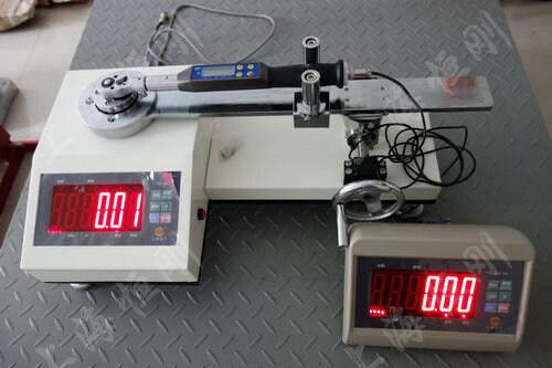 触屏扭矩扳手测试工作台图片