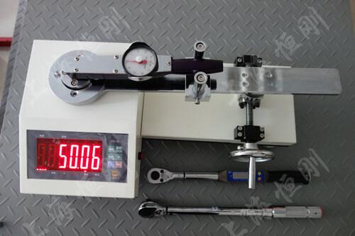 开关量扭力扳手测试仪图片